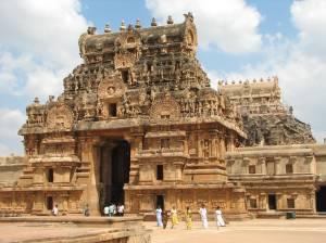 brihadeeswarar_temple_02