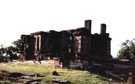 Devrani Temple, Talagaon