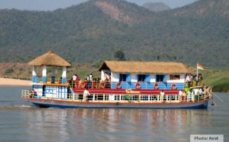 boat-to-papi-amit