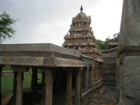 Thirumalai - Side view of lower temple